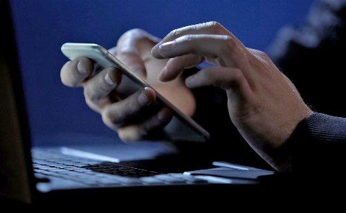 Có nên chia sẻ số điện thoại cá nhân với mọi người?