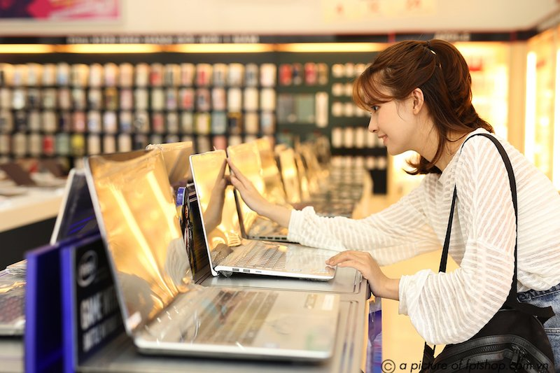 Tân sinh viên được giảm đến 28% khi mua laptop, Macbook tại FPT Shop