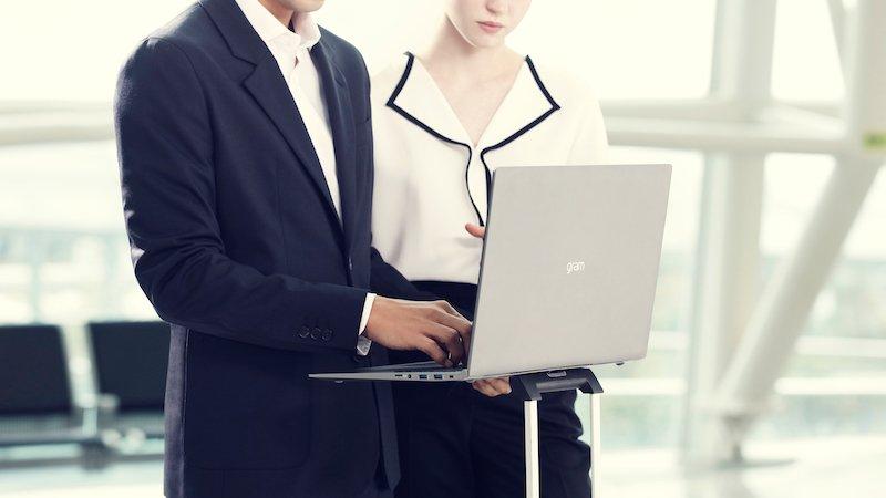 Ra mắt laptop LG Gram 17 inch nhẹ nhất thế giới
