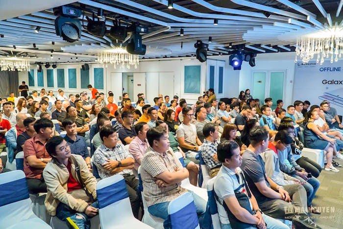 Mai Nguyên, Di Động Việt tổ chức offline trải nghiệm Galaxy Note 10