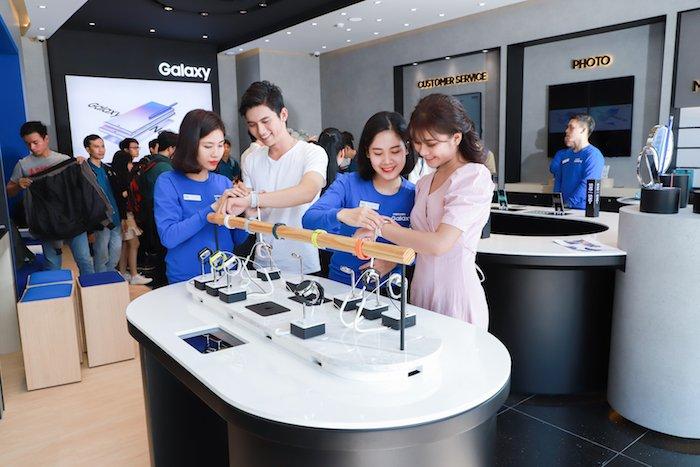 Samsung tiếp tục ra mắt 3 cửa hàng trải nghiệm trên toàn quốc