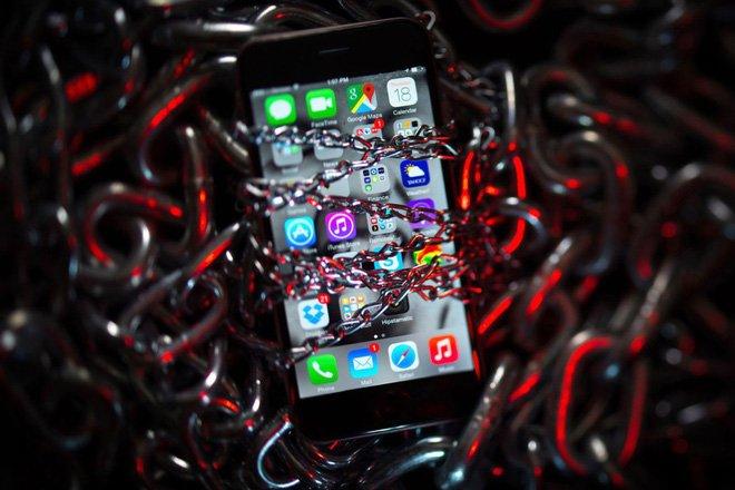 Hàng loạt trang web độc hại âm thầm hack iPhone trong nhiều năm