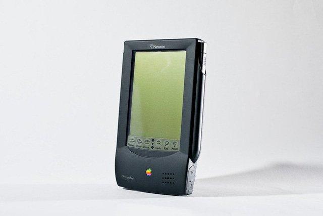 """ARM là công ty Anh, sao phải theo Mỹ """"nghỉ chơi"""" với Huawei? Chỉ vì Apple cách đây 30 năm..."""
