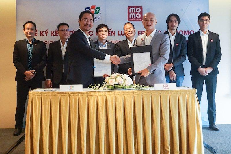 Ví điện tử MoMo hợp tác chiến lược với FPT IS