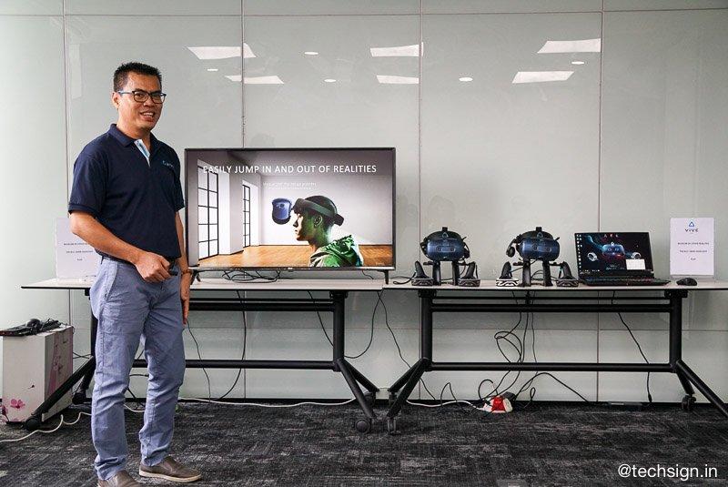 HTC Vive Cosmos ra mắt, thiết kế module, dễ lắp đặt và trải nghiệm