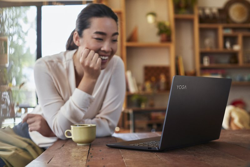 Lenovo Yoga S740 lên kệ Thế Giới Di Động, giá khởi điểm 24 triệu