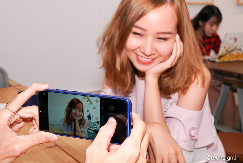 Mở hộp Realme XT, hai màu, bốn camera sau, giá 7,99 triệu