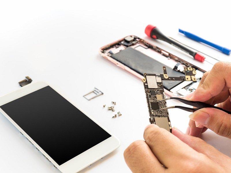 Nhóm tội phạm Trung Quốc làm giả iPhone để trục lợi từ Apple
