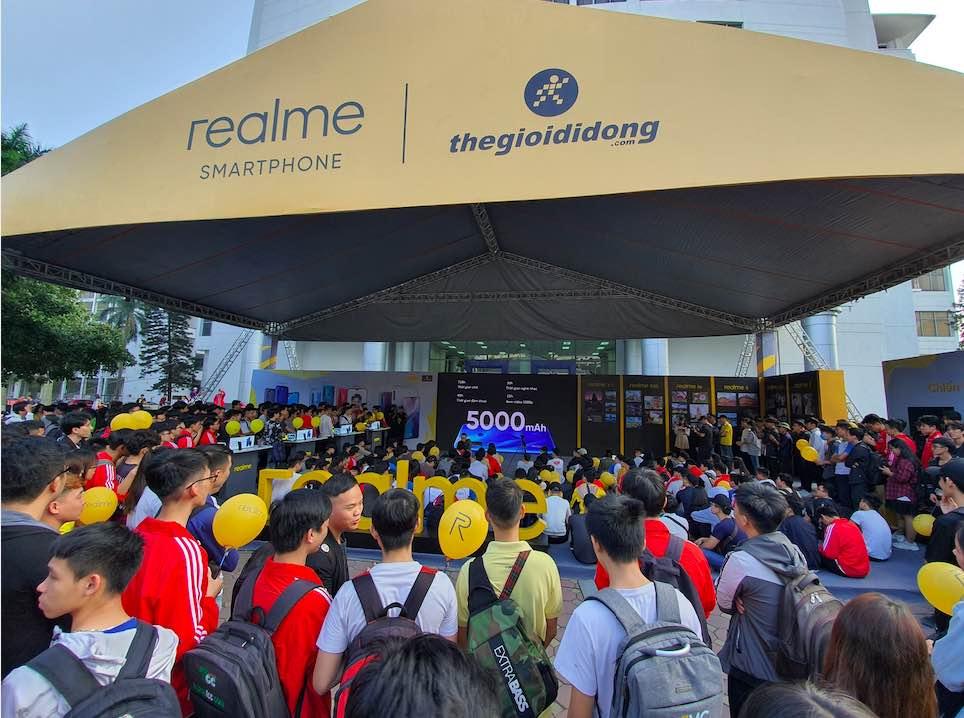 Gần 40.000 sinh viên tham dự Đại nhạc hội Realme Connection tại Hà Nội