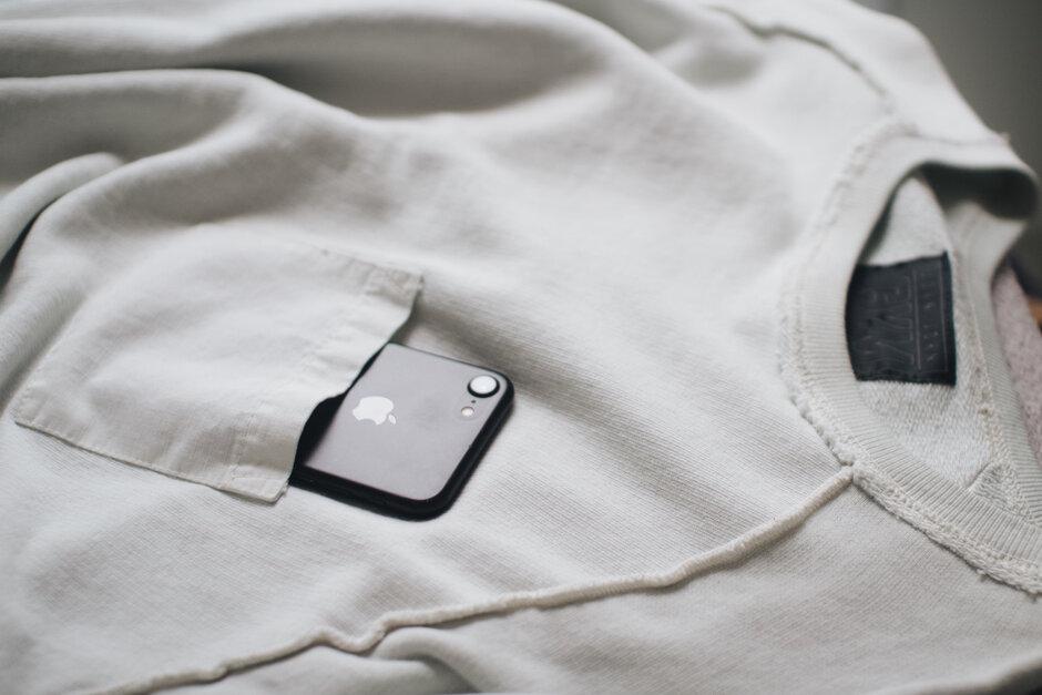 Vì sao bạn thấy điện thoại rung ngay cả khi không mang thiết bị bên mình?