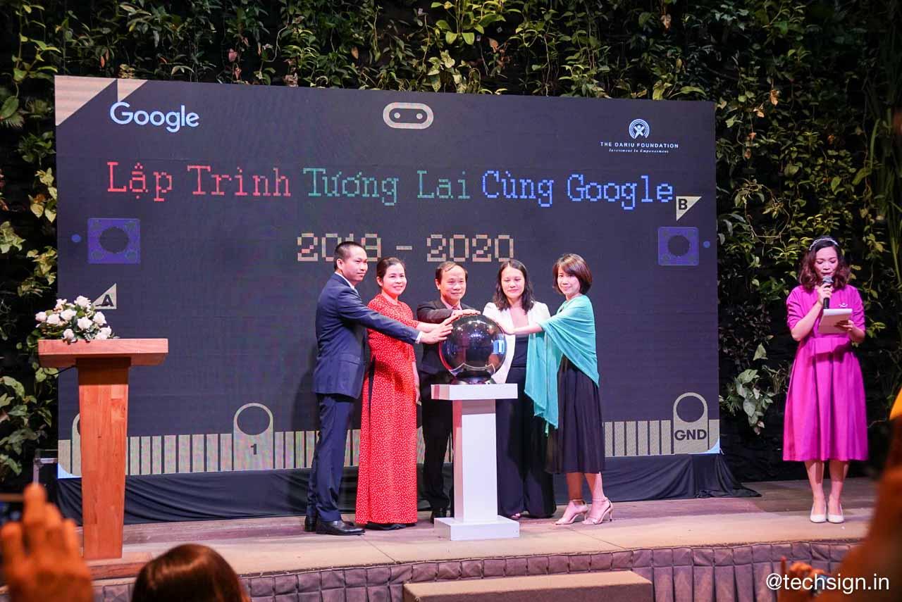 """Mở rộng dự án """"Lập trình tương lai cùng Google"""" ra 15 tỉnh thành trên cả nước"""