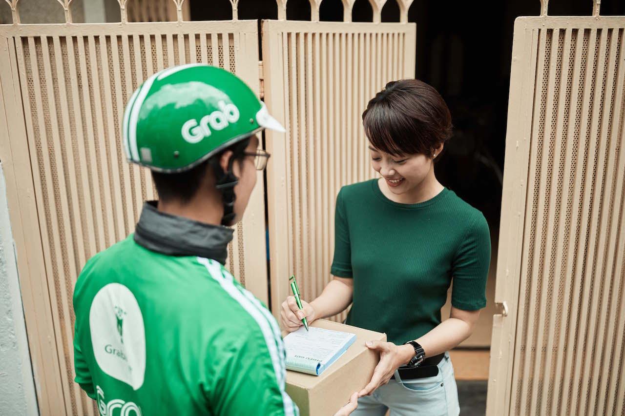"""Grab và Shopee hợp tác mở dịch vụ """"Giao hàng 1h"""""""