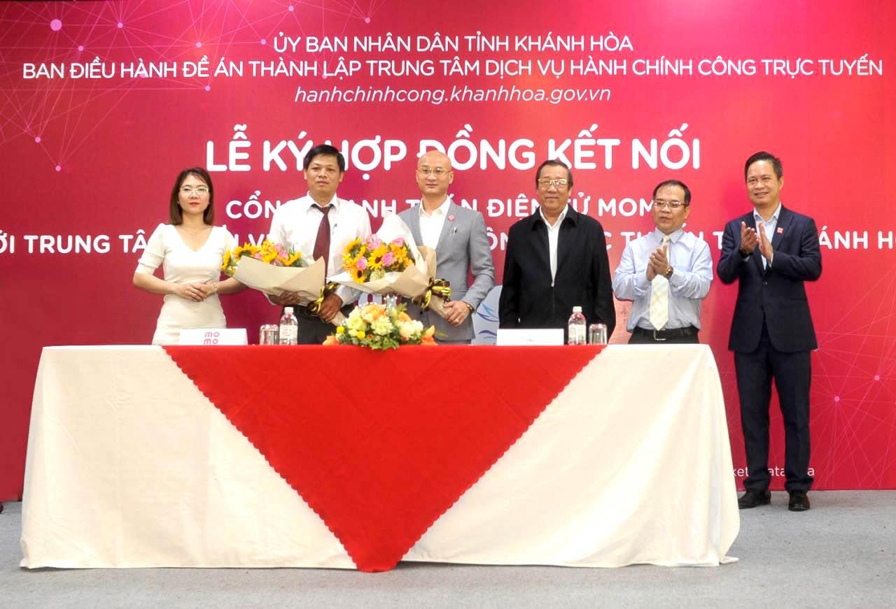 Tỉnh Khánh Hòa hợp tác Ví MoMo triển khai thanh toán điện tử