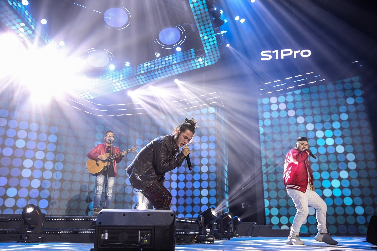 """Ra mắt vivo S1 Pro trong buổi tiệc âm nhạc """"Khai Phá Chất Riêng"""""""