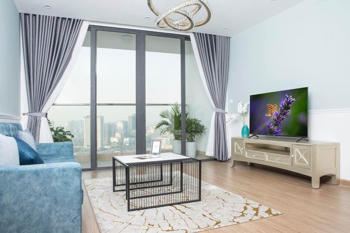 VinGroup chính thức ra mắt 5 Smart TV chạy Android