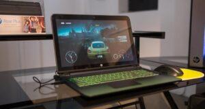 Gợi ý quà tặng công nghệ từ HP: laptop HP Pavilion Gaming và máy in HP Laserjet Pro M12