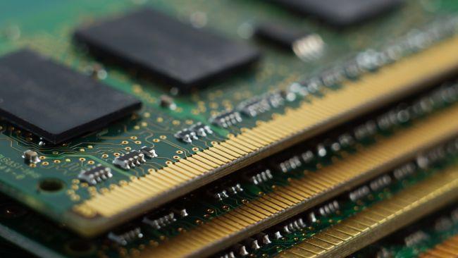 Galaxy S20 cần nhiều RAM hơn laptop? Một ý tưởng lố bịch của Samsung