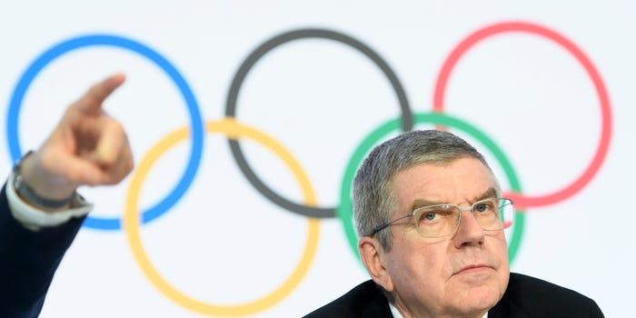 Tin tặc tấn công tài khoản của Olympics và FC Barcelona