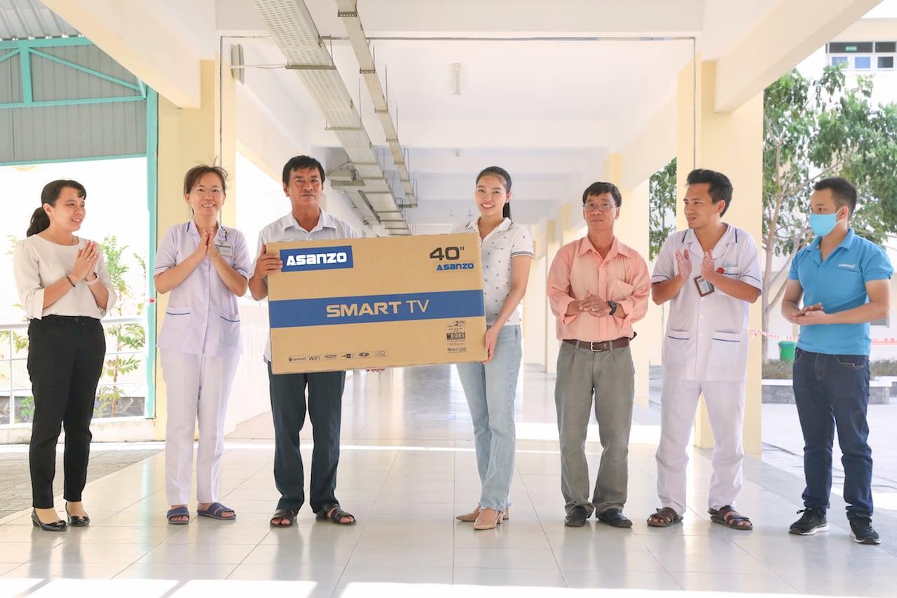 Asanzo trang bị 20 Smart TV 40 inch hỗ trợ điều trị Covid-19