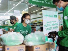 Grab trao tặng gần 80 tấn gạo và 8.000 thùng mì gói, hỗ trợ đối tác tài xế vượt qua khó khăn trong dịch COVID-19