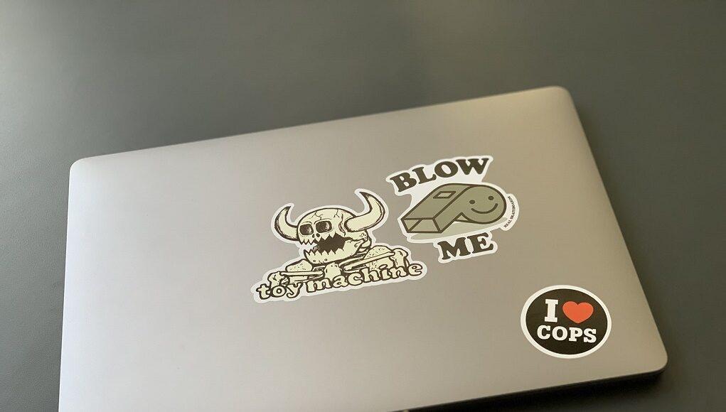 Không nên cắm sạc MacBook Pro ở cổng USB-C bên trái