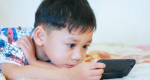 Cảnh báo nguy cơ trẻ em bị xâm hại khi tham gia các lớp học trực tuyến