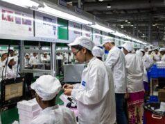 Apple đầu tư hàng triệu USD vào quy trình tự động hóa nhưng kết quả vẫn kém xa con người
