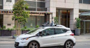 Xe hơi tự lái có an toàn như bạn nghĩ?
