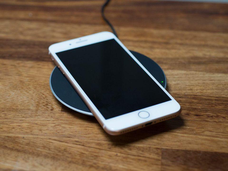 Khắc phục tình trạng điện thoại bỗng sạc chậm bất thường