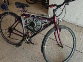 """""""Độ"""" xe đạp điện tốc độ 110 km/giờ nhờ động cơ máy giặt"""