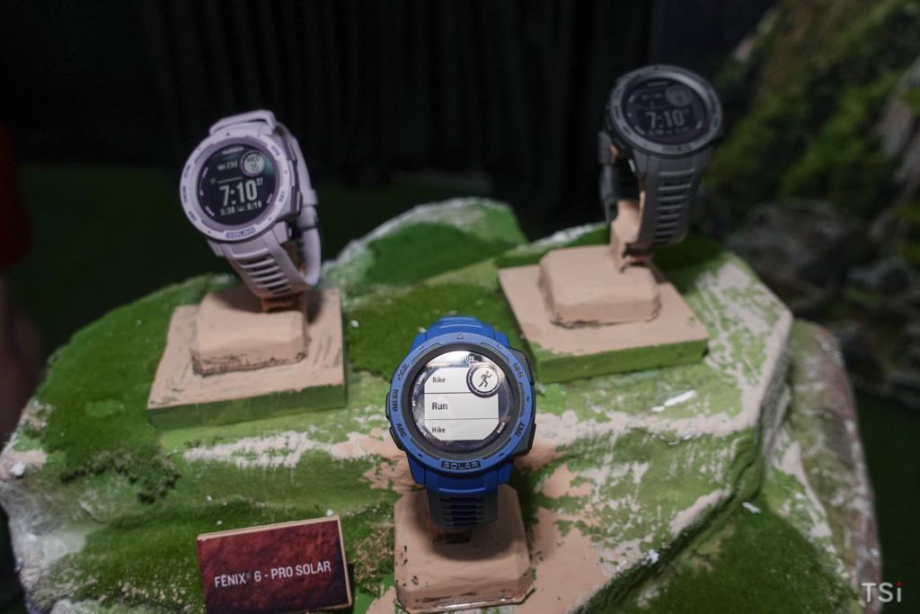 Garmin ra mắt 4 đồng hồ thể thao dùng sạc năng lượng mặt trời