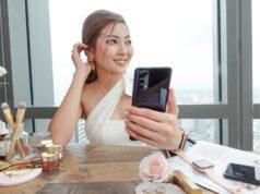 Mở hộp OPPO Reno4: smartphone có camera đục lỗ bé nhất