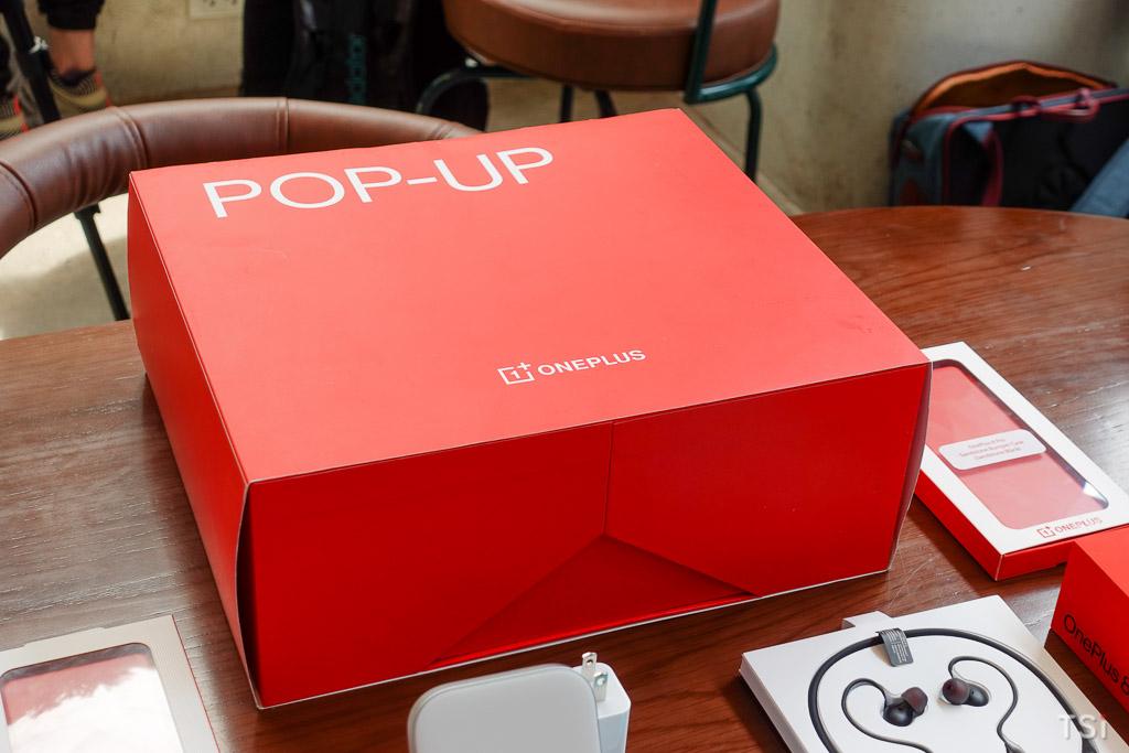 Trên tay bộ quà hot sale OnePlus 8 Pro 5G
