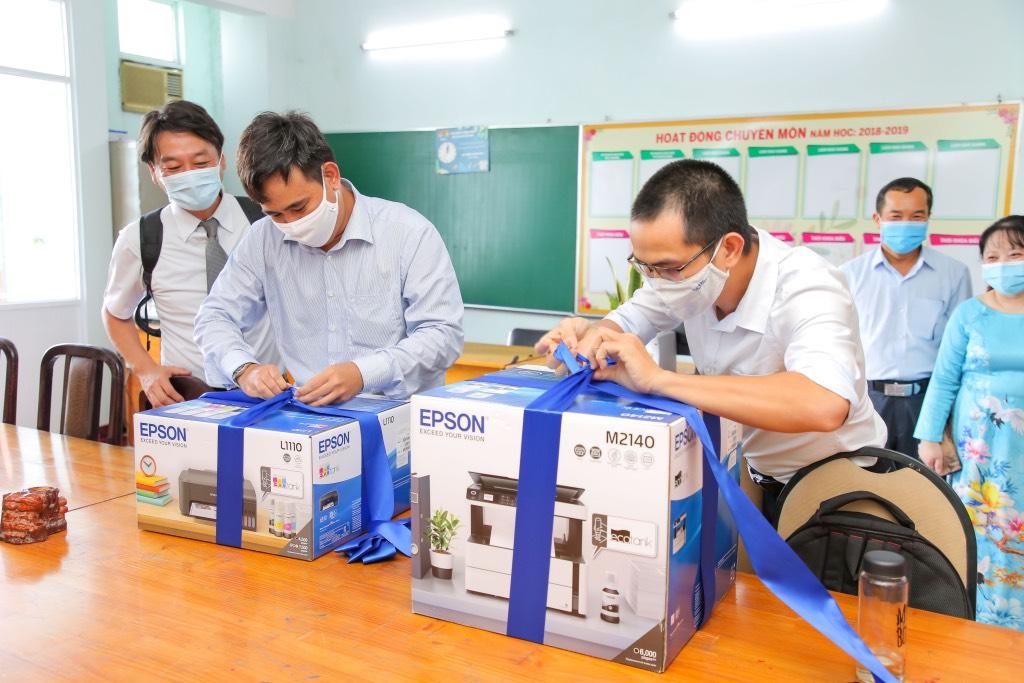 Epson tổ chức chương trình 'Cá Koi Xanh', lan tỏa tinh thần khuyến học