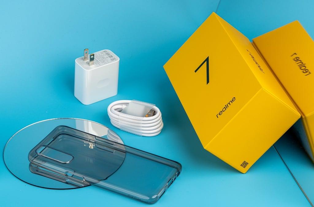 Ảnh thực tế Realme 7, bán tại Việt Nam trong tháng này