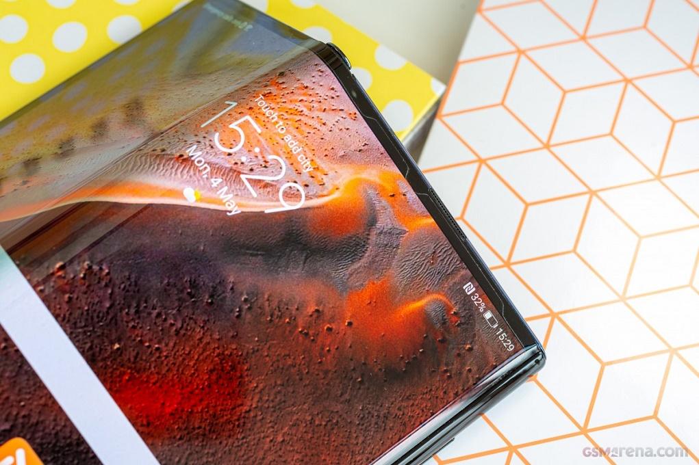 Huawei Mate X2 trễ hẹn ra mắt do lệnh trừng phạt Mỹ