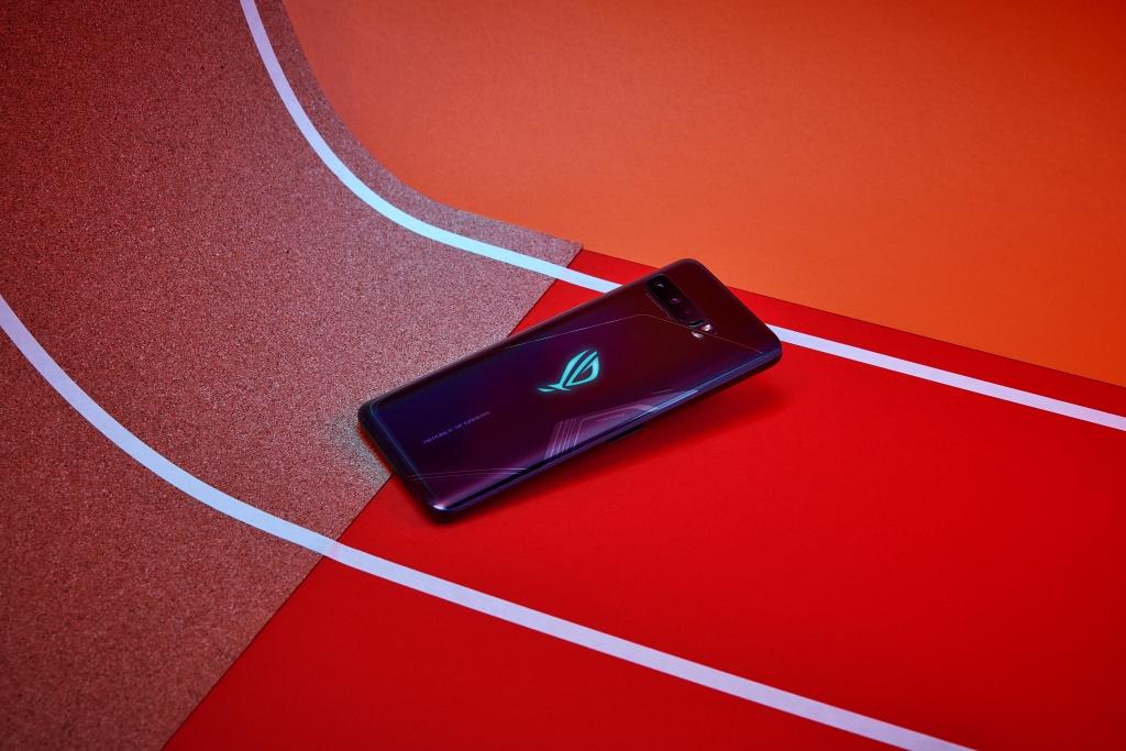 ROG Phone 3 lên kệ: Snapdragon 865 Plus 5G, pin 6000mAh, giá 22,99 triệu đồng