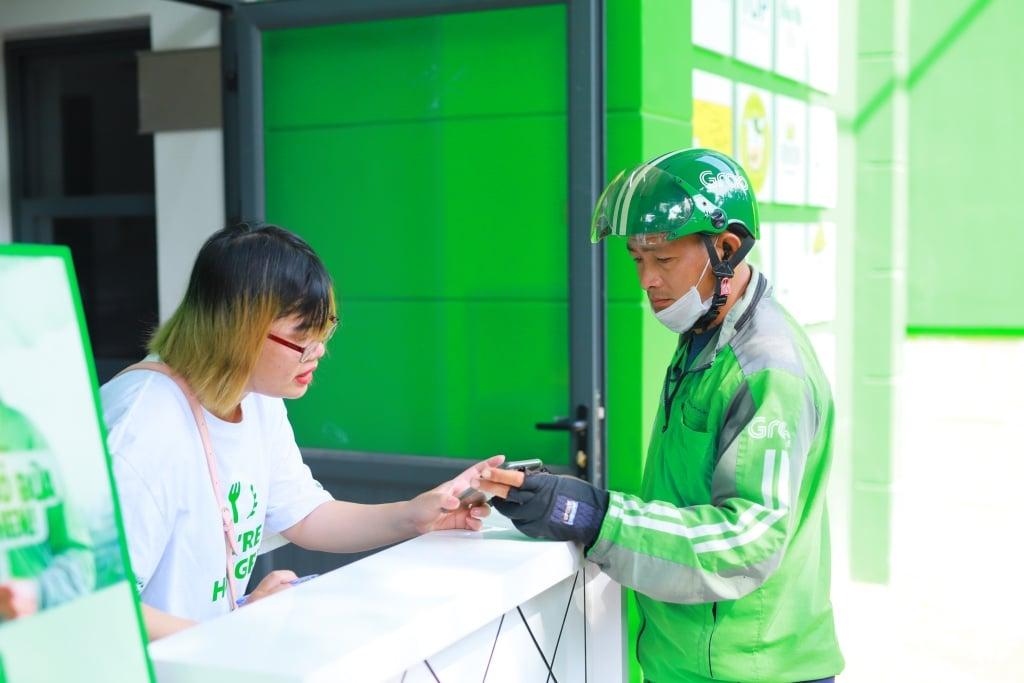 Ra mắt GrabKitchen thứ 3 tại khu dân cư Trung Sơn (TP.HCM) có phục vụ ăn tại chỗ.