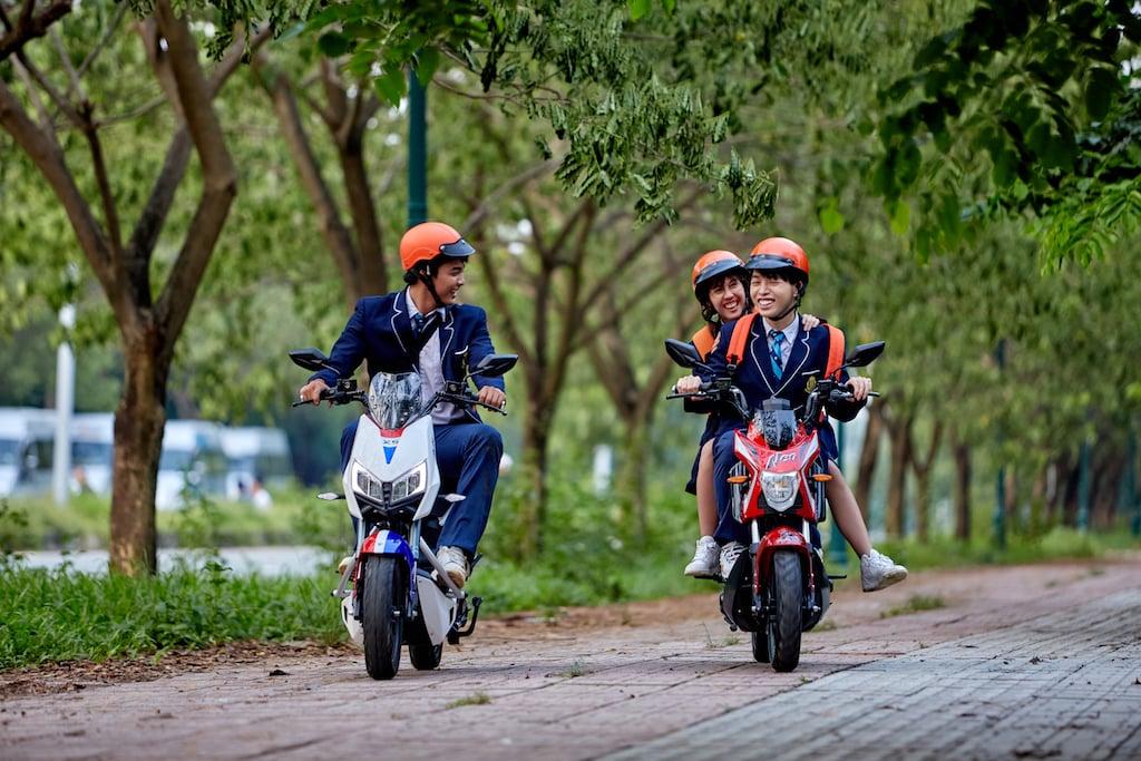 Lối sống xanh của giới trẻ: Từ vật dụng cá nhân đến phương tiện di chuyển