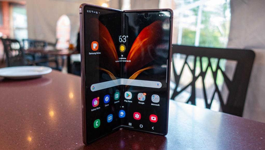 Galaxy Z Fold 3 sẽ là smartphone đầu tiên của Samsung có camera dưới màn hình