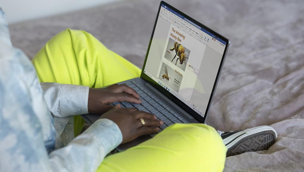 Microsoft ra mắt Surface Laptop Go 12,4 inch với giá 549 USD