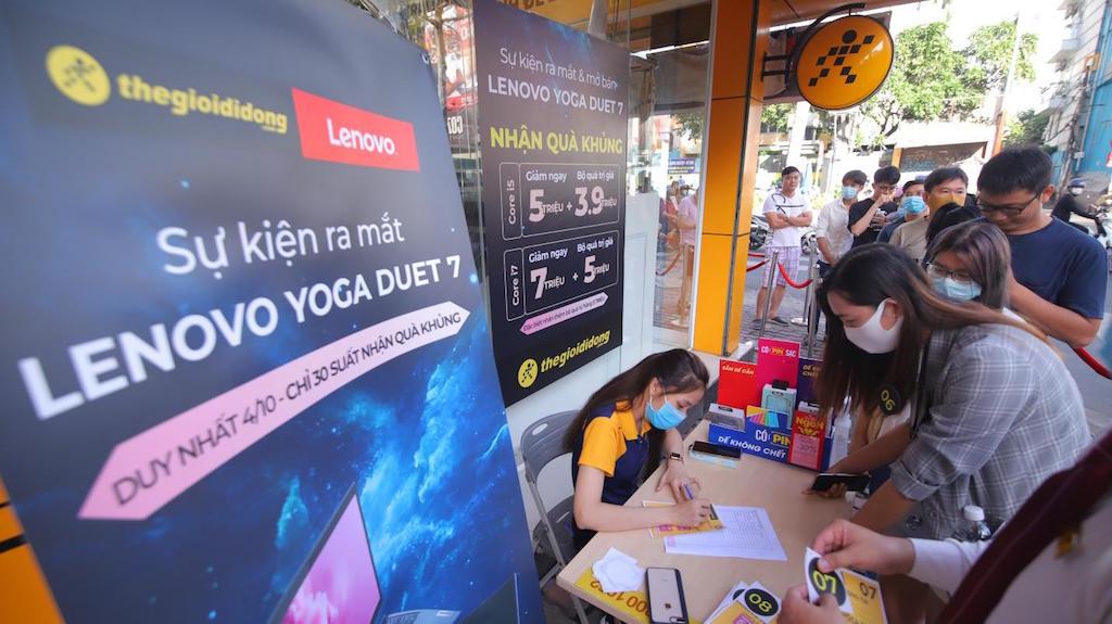 Thế Giới Di Động mở bán Lenovo Yoga Duet 7