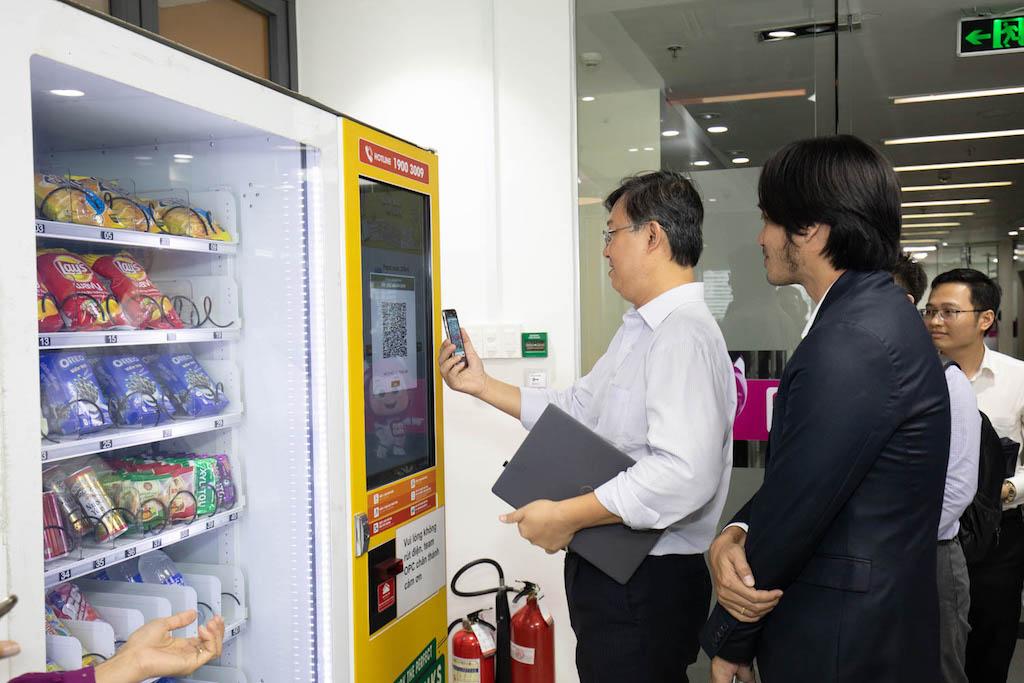 Tổ tư vấn Kinh tế của Thủ tướng tham quan Ví điện tử MoMo
