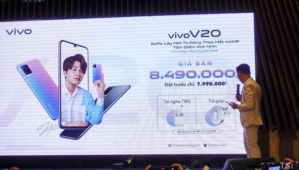 Vivo V20 lên kệ giá 8,49 triệu đồng cùng nhiều ưu đãi