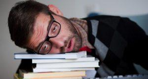 4 cách giữ tinh thần tỉnh táo sau một đêm thiếu ngủ mà không cần cà phê