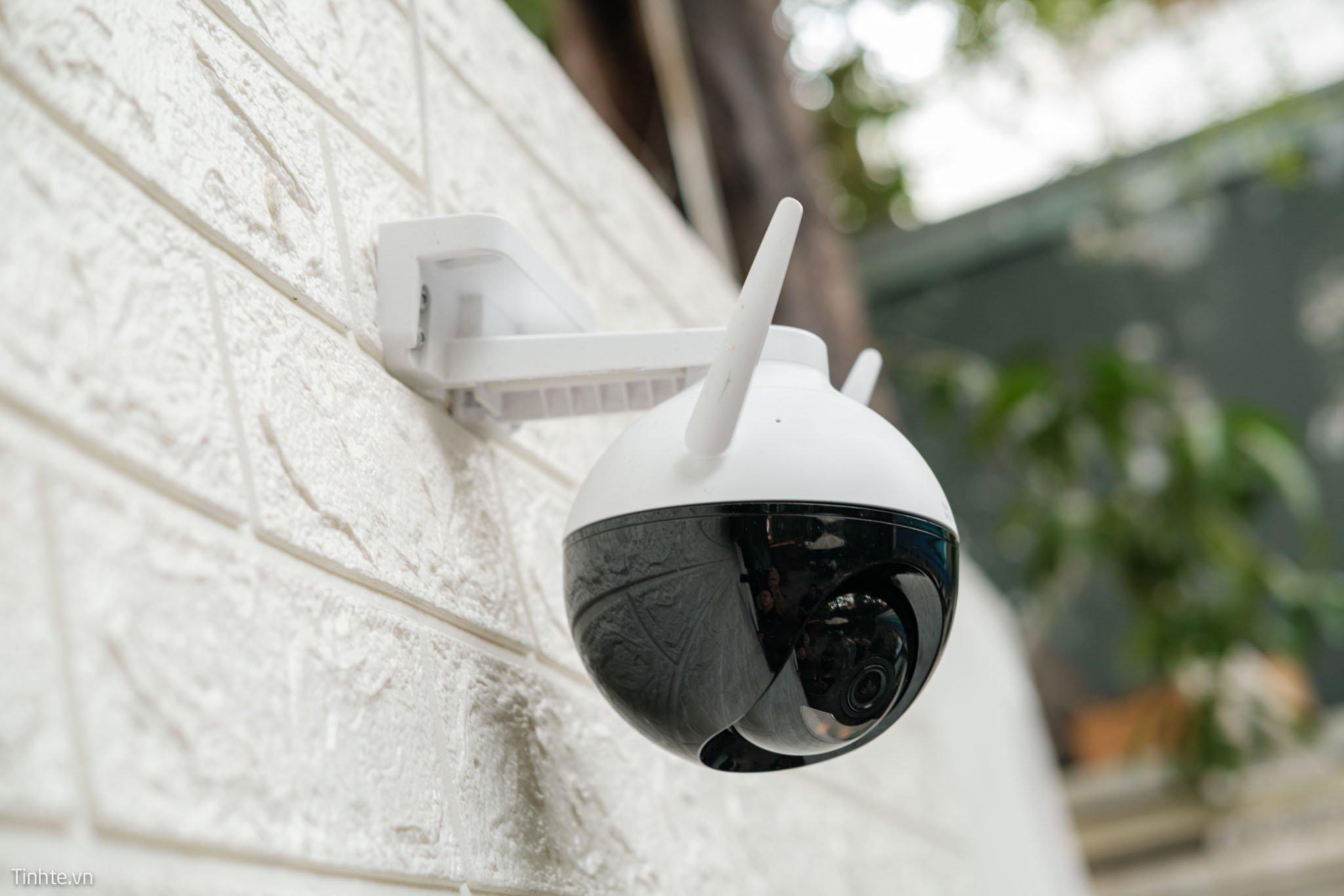 Trải nghiệm camera ngoài trời EZVIZ C8C: camera 360 độ, khả năng quay quét đêm tốt
