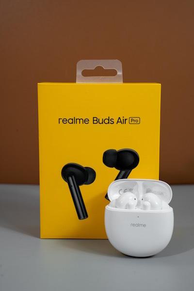 CellPhoneS bán độc quyền tai nghe Realme Buds Air Pro, đặt hàng tặng loa 1 triệu đồng