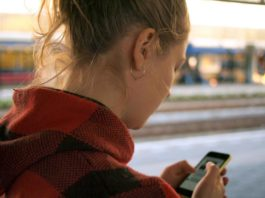 7 điều cần biết trước khi cho thanh thiếu niên sở hữu điện thoại riêng