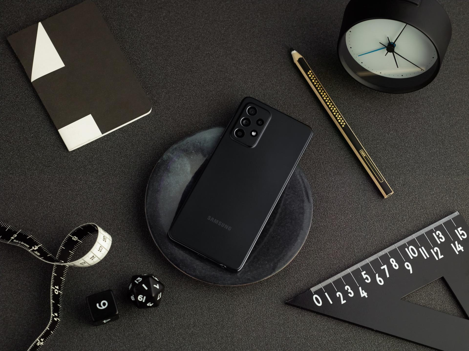 Samsung chính thức ra mắt Galaxy A52, A52 5G và A72