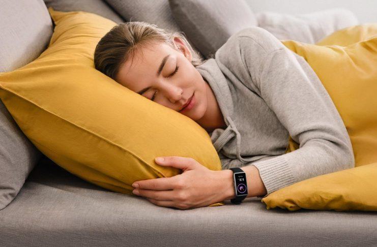 Ra mắt vòng đeo tay thông minh Huawei Band 6 với pin liên tục 2 tuần